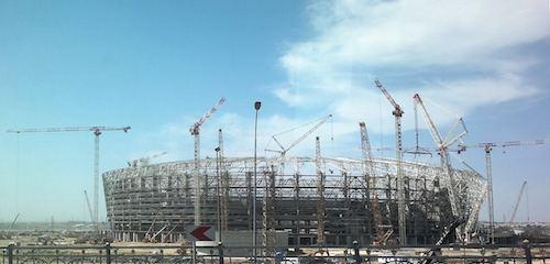 Obras de construção em 2014 no Estádio Nacional de Baku