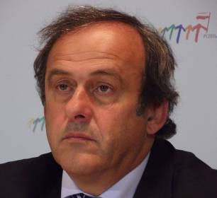Michel Platini, artilheiro do Euro 1984 com 9 golos